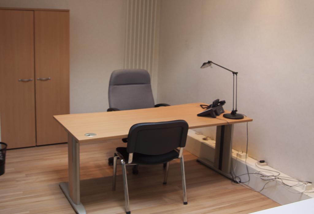 Exemple 1 de bureau à louer, rez-de-chaussée, Centre d'affaires Solférino.
